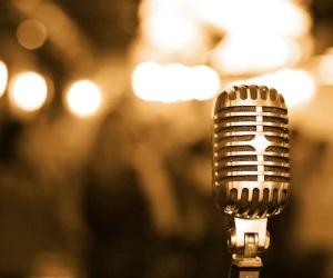 microfono dorato