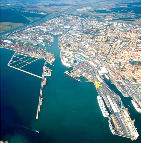 porto livorno darsena europa